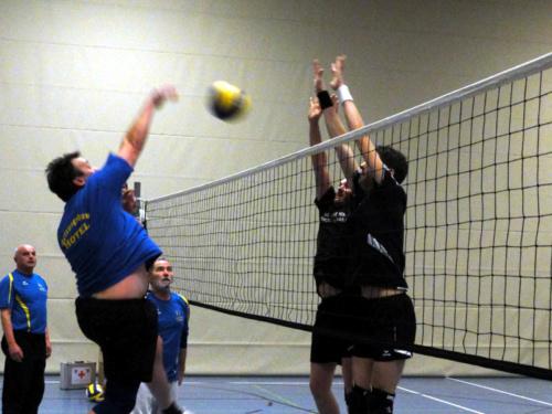 0070 - Volleyball-Besen-Zweikampf 25.02.2011